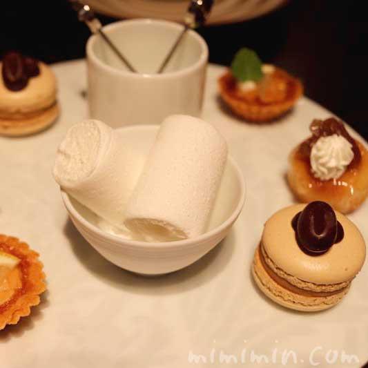 小菓子|レストランひらまつのランチ(広尾)の画像