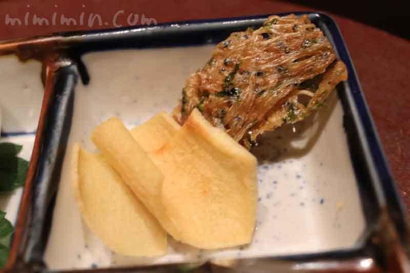 たたみいわし 慈姑煎餅|日本料理 和田倉の画像