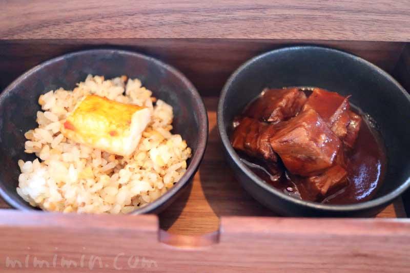 帝国ホテル東京のBENTO|インペリアルラウンジ アクア・弁当|3段目(温料理)の画像