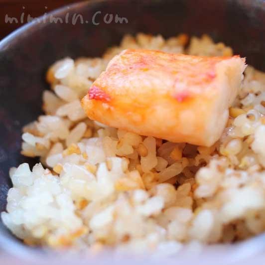 五穀米と焼きタラバ蟹添え|BENTO|インペリアルラウンジ アクアの画像