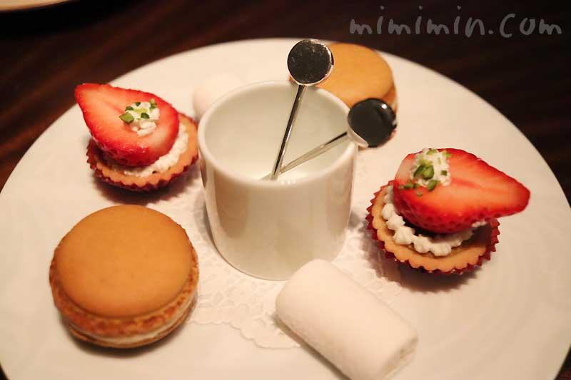 ミニャルディーズ|レストランひらまつのディナー|広尾のフレンチの画像