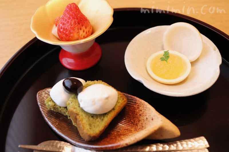 水菓子 抹茶シフォンケーキ 林檎最中 苺求肥巻き|温故知新(恵比寿)ランチの写真
