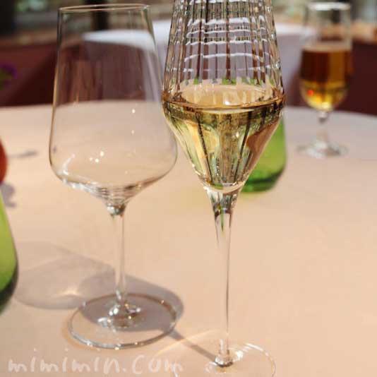 シャンパン|レストラン パッションの個室でランチの写真