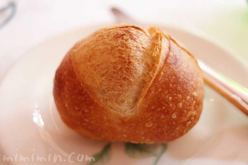 パン|レストラン パッションの個室でランチの写真
