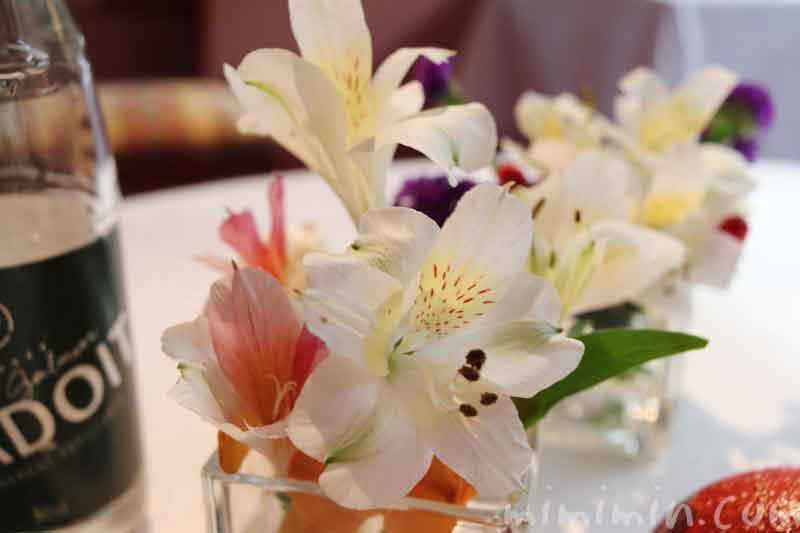 レストラン パッションの個室のお花|ランチ|代官山の画像