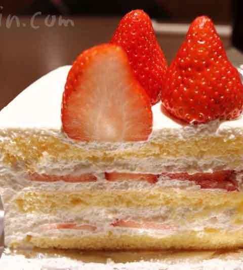 HARBS(ハーブス)のストロベリーケーキ