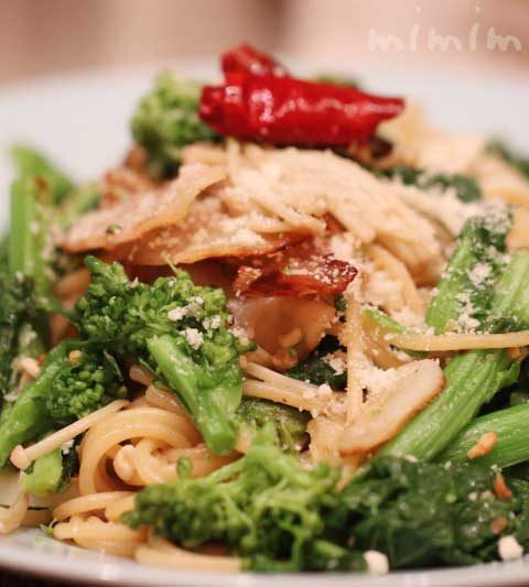 菜の花とエノキのペペロンチーノパスタの簡単レシピ