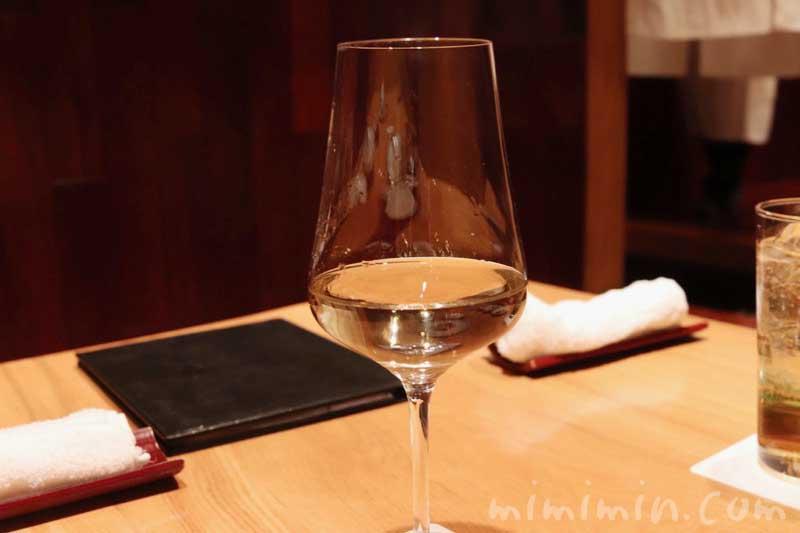 白ワイン|松栄 恵比寿本店の個室 ディナー(寿司屋・鮨屋)の画像