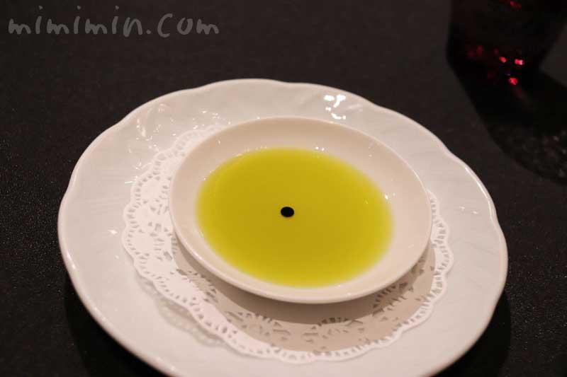 オリーブオイルとバルサミコ酢|ラ ターブル ドゥ ジョエル・ロブションの画像