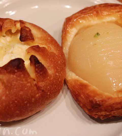 シェリュイの「チーズフォンデュフランス」と「洋梨のデニッシュ」