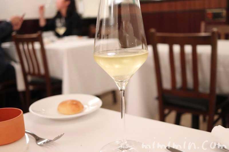 白ワイン|リストランテセンソ(白金台)でディナーの写真