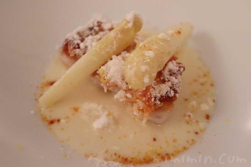 甘鯛 ホワイトアスパラガス 雲丹 日向夏|リストランテセンソ(白金台)でディナーの写真