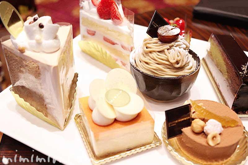 ウェスティンホテル東京 ロビーラウンジのケーキセットの写真
