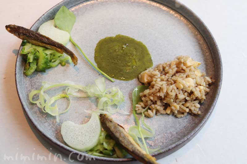 稚鮎のフリット 栄螺の肝ソース 粽を添えて|クラフタル|中目黒の画像