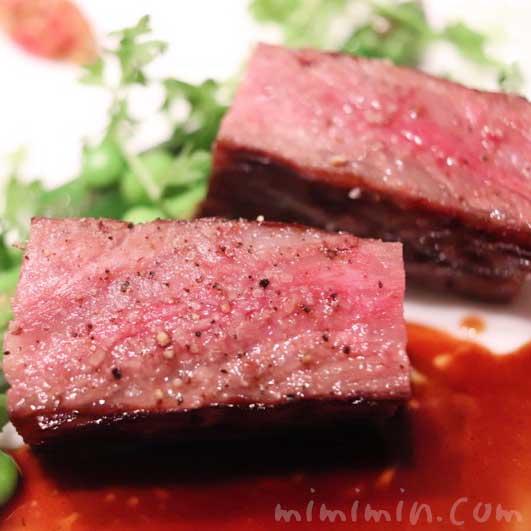 牛肉・グリーンアスパラ・グリンピー|AMOUR(アムール)のディナーの画像