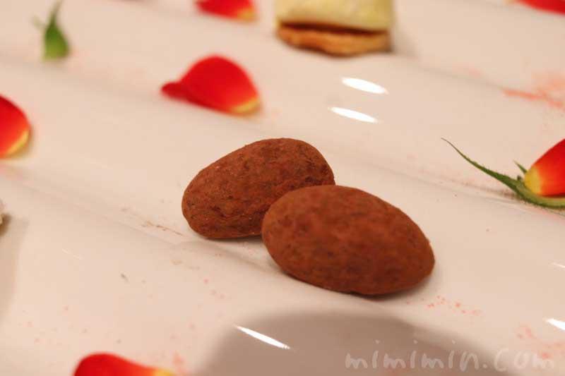 余韻・小菓子|AMOUR(アムール)|フレンチの写真