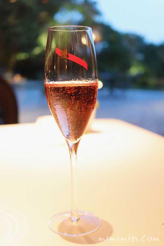 ロゼのシャンパン|Q.E.D.クラブ・蛍の夕べ|蛍観賞付きディナー(フレンチ)の写真