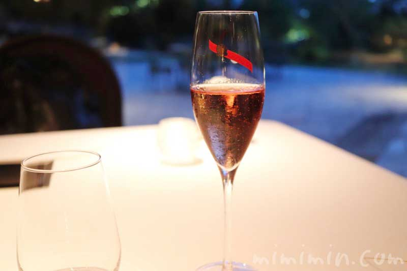 ロゼのシャンパン|Q.E.D.クラブ・蛍の夕べ|蛍観賞付きディナー(中目黒)の写真