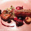 フランス産 仔鴨胸肉 エトフェとフォアグラのロティ 甘酸っぱい果実とトリュフをまとわせ|Q.E.D.クラブ・蛍の夕べ|蛍観賞付きディナーの写真