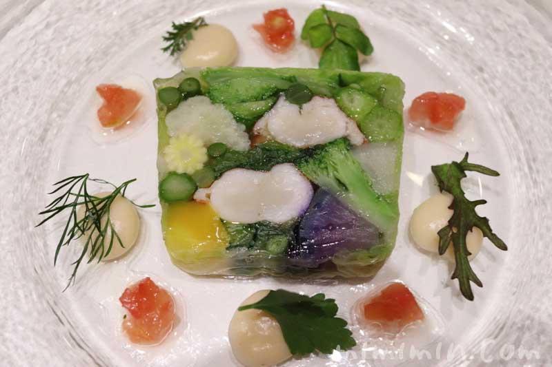 オマール海老と野菜のテリーヌ|アーティショー(恵比寿のフレンチ)の画像