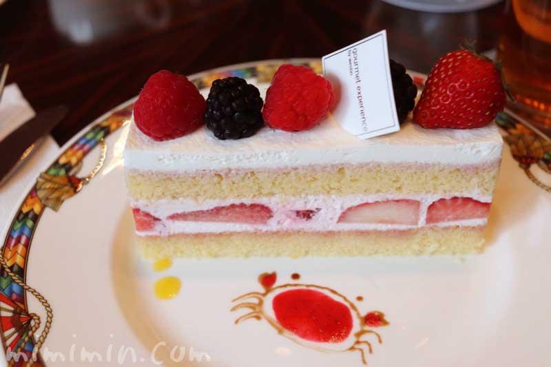イチゴとベリーのケーキ|ウェスティンホテル東京 ロビーラウンジのケーキセットの画像