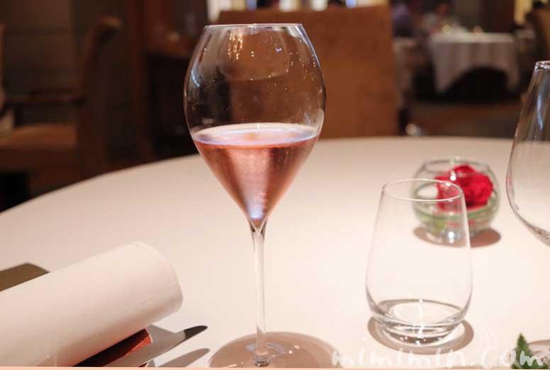 ロゼのシャンパン|レ・セゾン|帝国ホテル東京の画像