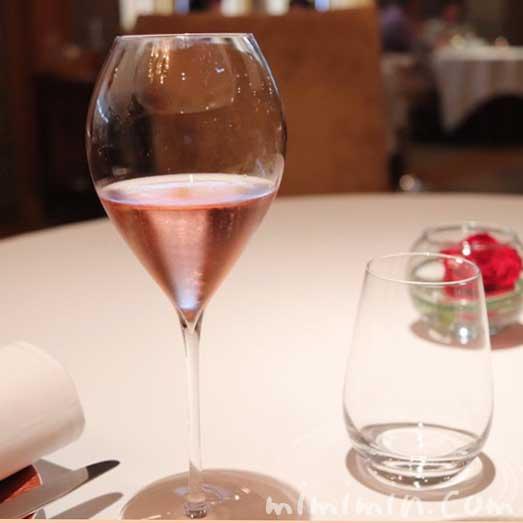 ロゼのシャンパン|レ・セゾンの画像