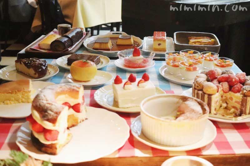 デザートワゴン|キャンティ 西麻布店でディナー イタリアンの写真