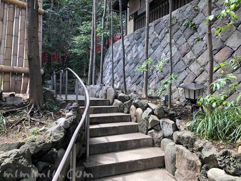 山の茶屋の入口の階段|赤坂の写真