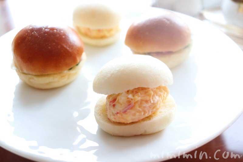 サンドイッチ|帝国ホテル東京のストロベリーアフタヌーンティー|インペリアルラウンジ アクアの写真