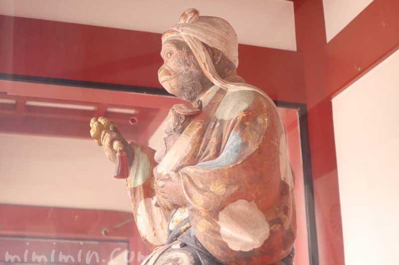 日枝神社の神猿像(赤坂)の写真