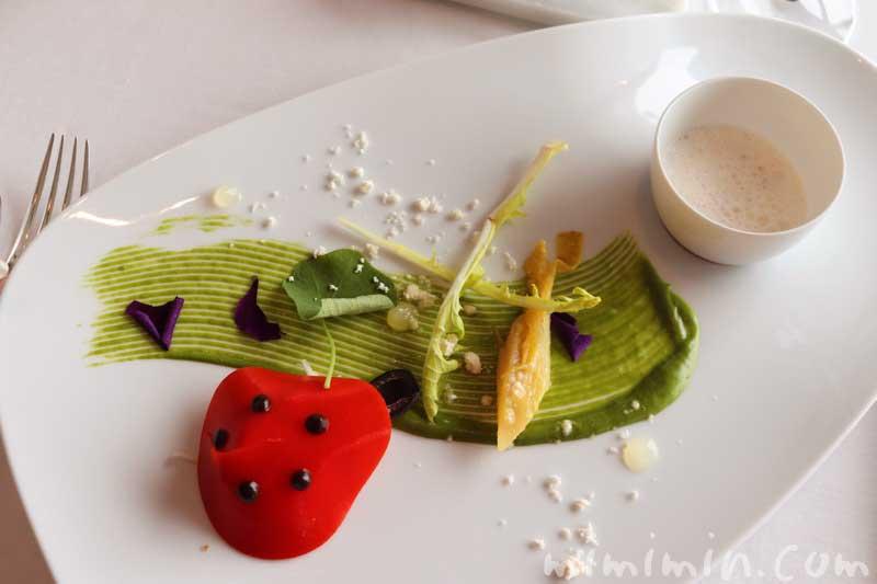 ズワイガニのサラダ てんとう虫に見立てての写真