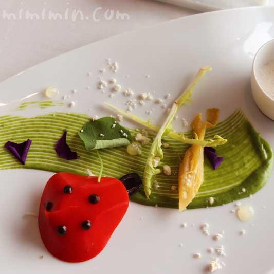 ズワイガニのサラダ てんとう虫に見立てて|クーカーニョのランチの写真