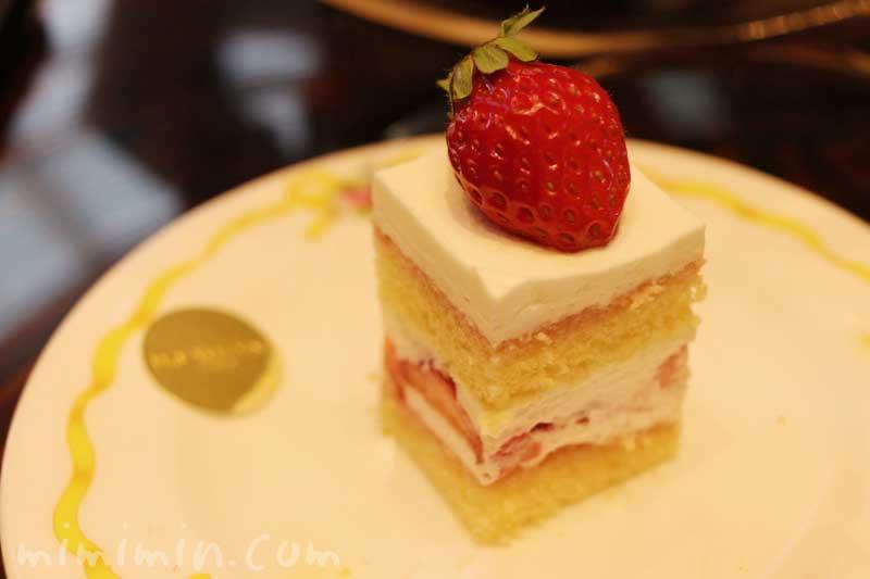 イチゴケーキ|ウェスティンホテル東京のティータイムセット(ザ・ラウンジ |恵比寿)の画像