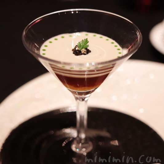 生雲丹 甲殻類のジュレになめらかなフヌイユのクレーム|ラ ターブル ドゥ ジョエル・ロブションのディナーの前菜(乾杯シャンパン&フリーフロー)の画像