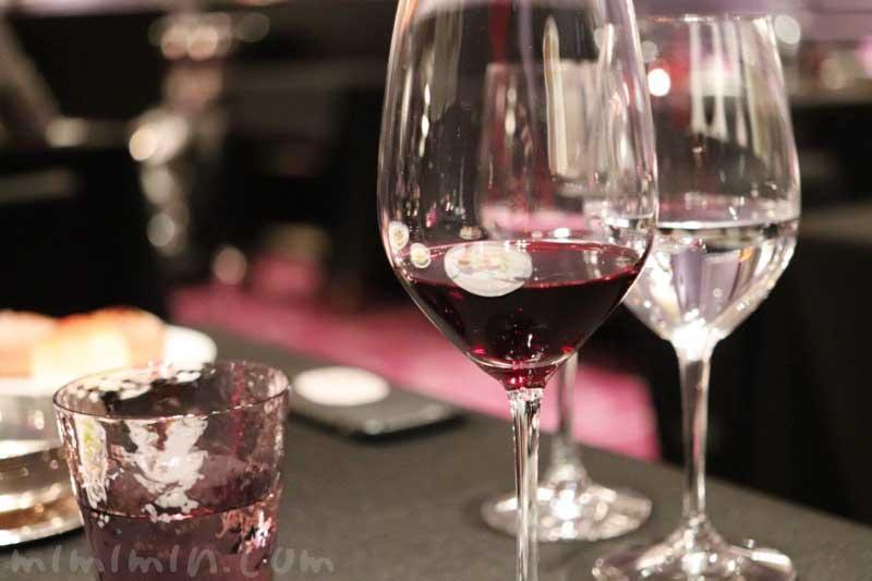 赤ワイン|ラ ターブル ドゥ ジョエル・ロブションでディナー(乾杯シャンパン&フリーフロー)の写真