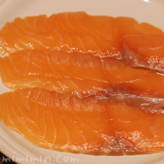魚庵 サーモン 燻製