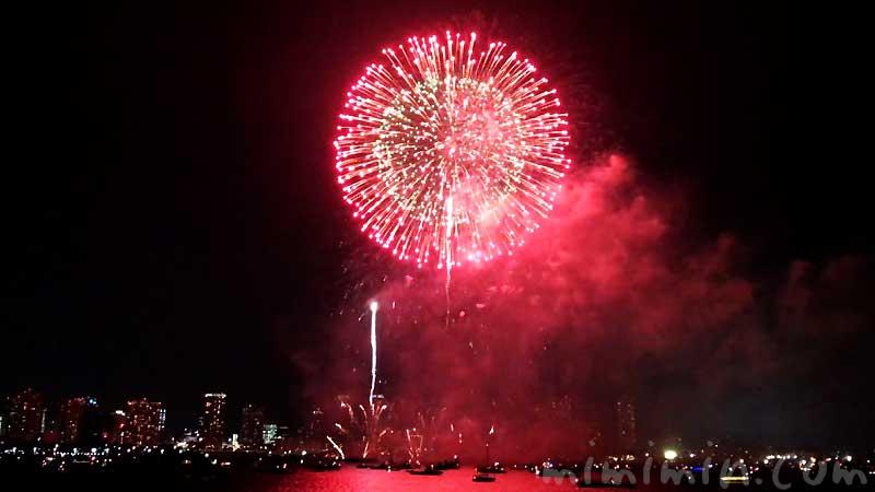 横浜みなとみらいスマートフェスティバル2019花火大会の画像