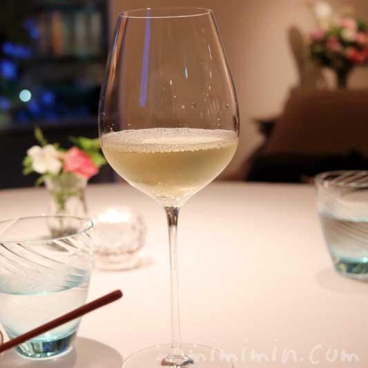 フレンチレストラン アムールの白ワインの画像