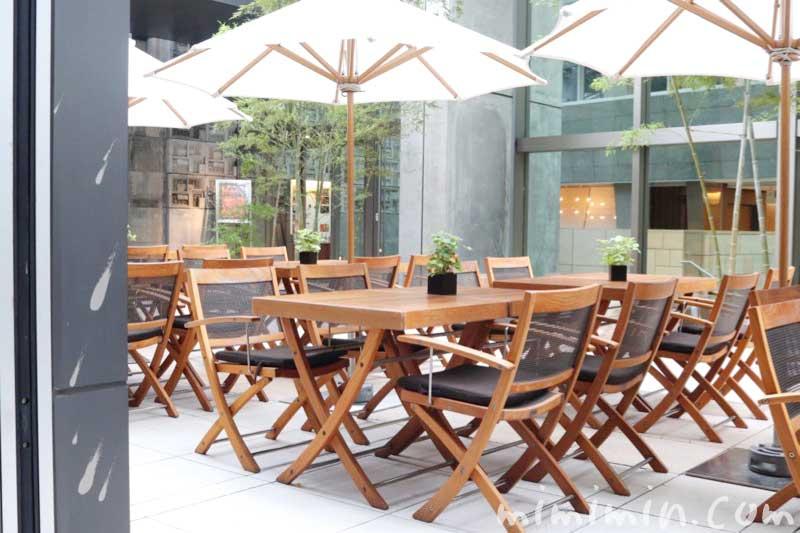 グランドハイアット東京「オークドア」のテラス席の画像