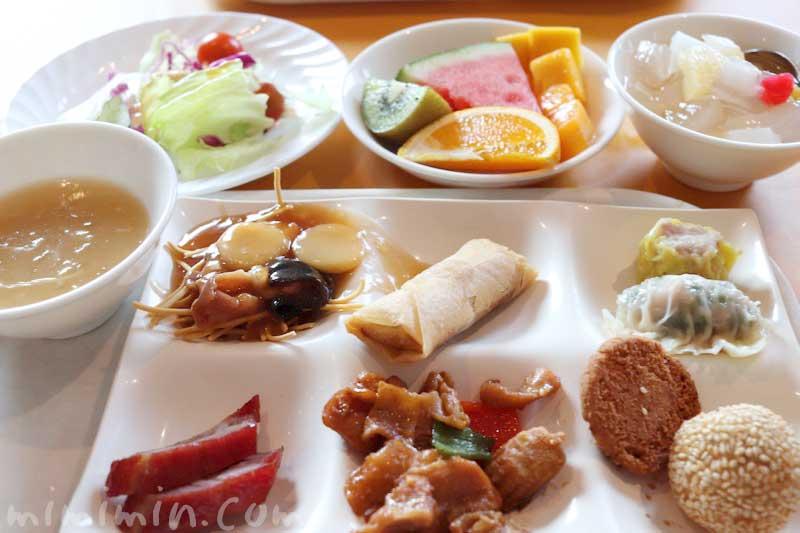 ロイヤルウイングの中華料理の画像