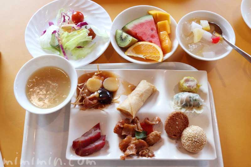 ロイヤルウイングの中華料理ビュッフェ