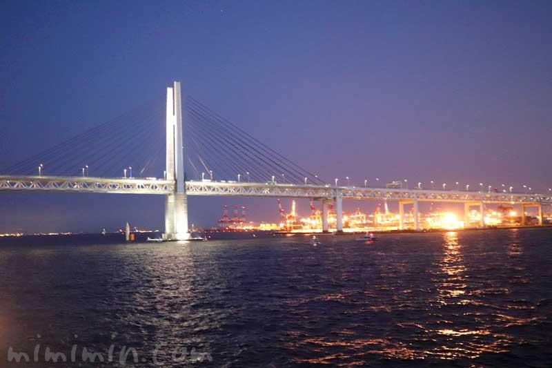 横浜ベイブリッジの夜景の写真