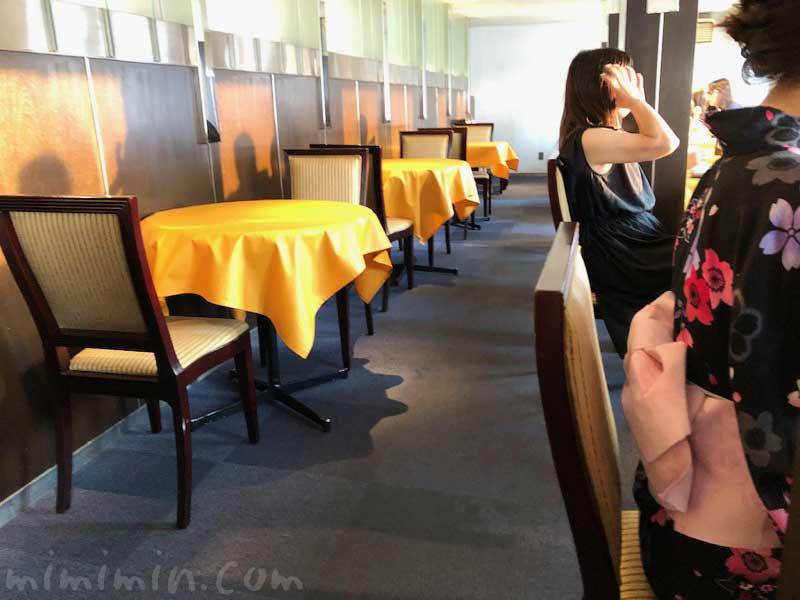 ロイヤルウイングのレストラン