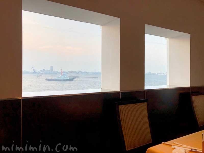 ロイヤルウイング レストランの写真