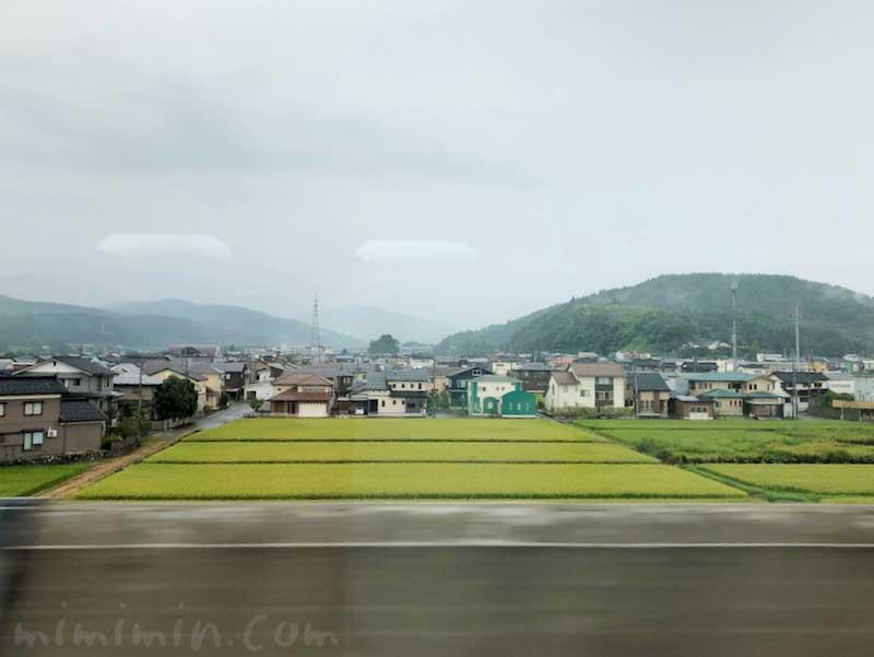 北陸新幹線の車窓の画像