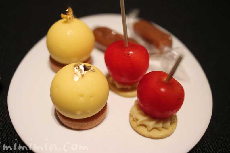 小菓子|ラ ターブル ドゥ ジョエル・ロブション(恵比寿)の写真