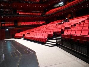 KAAT神奈川芸術劇場の見えやすい席はどこ?の画像