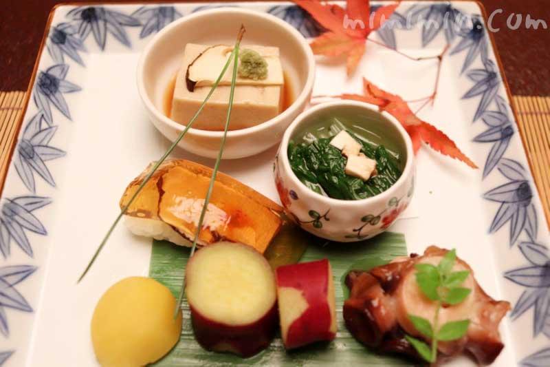 前菜 本日の盛り合わせ5種|赤坂松葉屋の個室でランチ 赤坂会席|松茸・飛騨牛専門店の画像