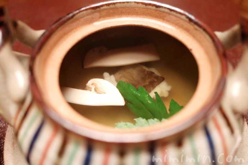 蒸物 松茸と鱧の土瓶蒸し|赤坂松葉屋の個室でランチ 赤坂会席の写真